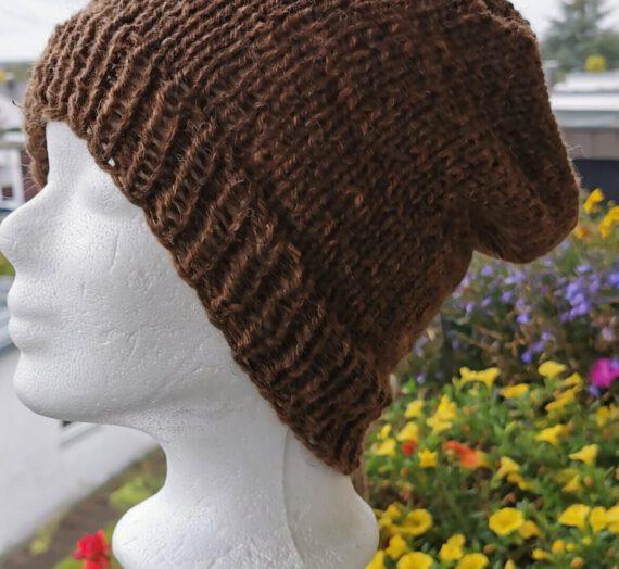 Mütze aus Schafswolle in schokobraun
